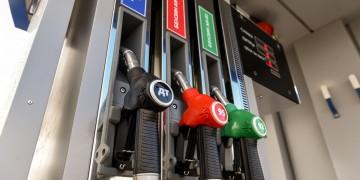 Стрімке зростання цін на бензин в Україні