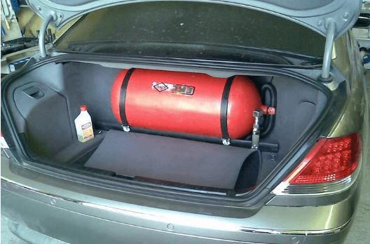 Установить газовый баллон в салон автомобиля